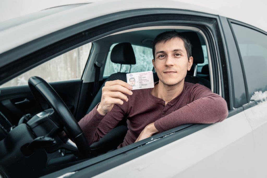 Examen du permis de conduire pour les non-francophones et recours à un interprète assermenté.